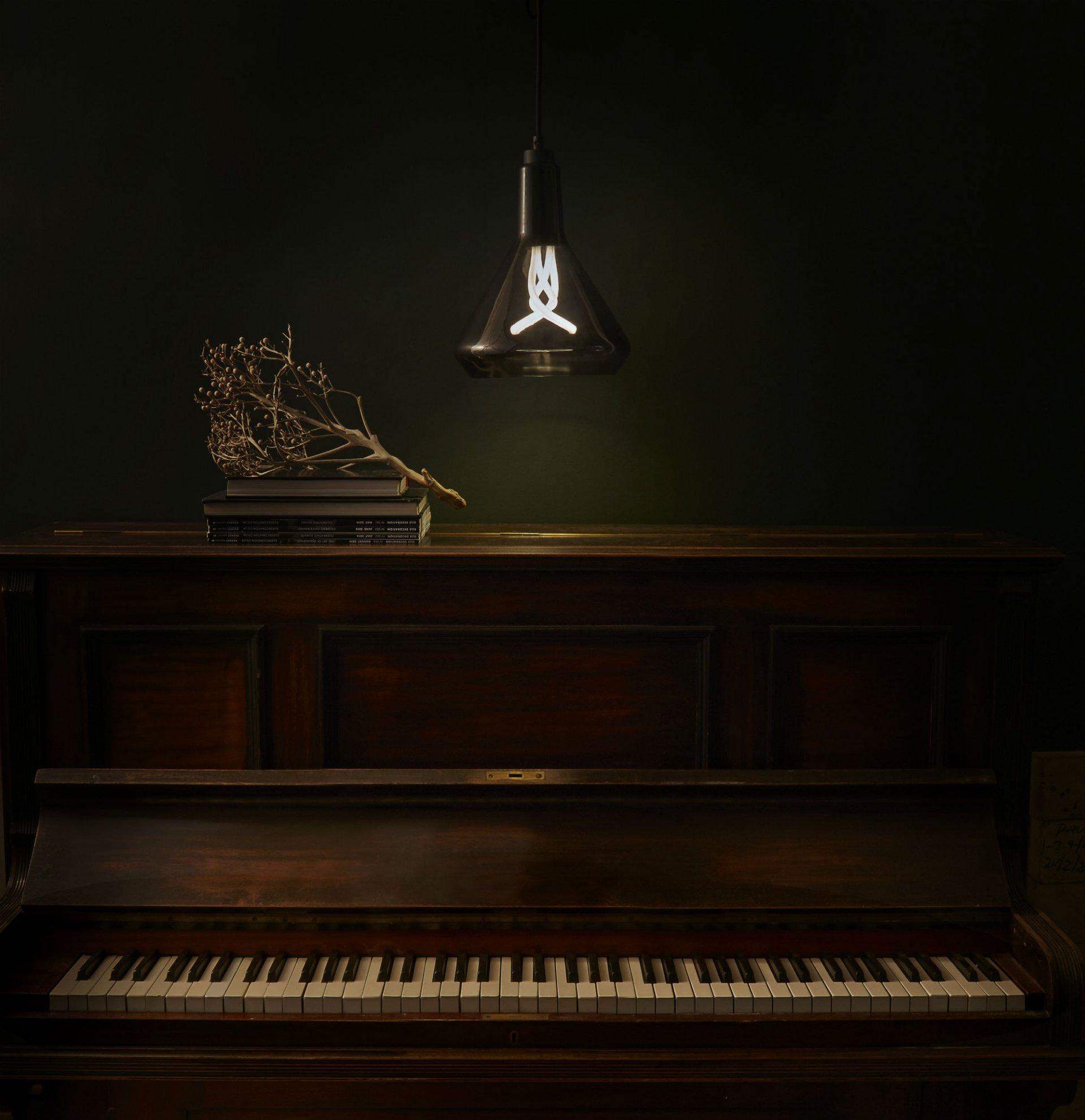 Plumen-Drop-Top-Lamp-Shade-Black-musician__3_ Drop Top Hulger