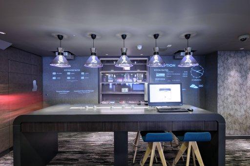 009_Plumen-001-designer-light-bulb-with-Lightyears-Pharoah-lampshade-in-Ibis-hotel__2_  Hulger
